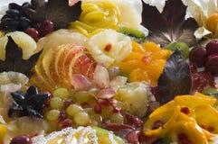Pastei met chcolatebladeren Stock Fotografie
