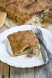 Pastei met vlees en aardappels Stock Afbeeldingen