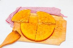 Pastei op een houten raad Royalty-vrije Stock Foto's