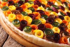 Pastei van de zomergroenten: wortelen, bieten, courgette en aubergine Royalty-vrije Stock Foto