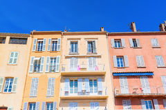 Pastel-colored houses in Saint Tropez Stock Images