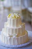 Pastel de bodas blanco Foto de archivo libre de regalías