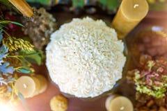 Pastel de bodas del buttercream de la vainilla Fotografía de archivo libre de regalías