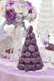 Pastel de bodas del macaron de Croquembouch Fotografía de archivo