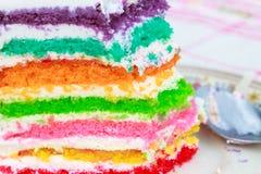 Pastel de capas del arco iris imagen de archivo libre de regalías