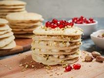 Pastel de capas marroquí de la crepe - torta de Baghrir imágenes de archivo libres de regalías