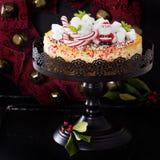 Pastel de queso adornado para la Navidad Foto de archivo libre de regalías