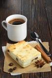 Pastel de queso con café Foto de archivo