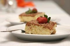 Pastel de queso con las fresas imagen de archivo libre de regalías