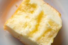 Pastel de queso con las mordeduras imágenes de archivo libres de regalías