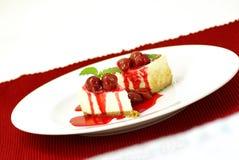 Pastel de queso de la cereza Imagen de archivo libre de regalías