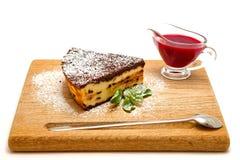 Pastel de queso de la cuajada con el chocolate fotografía de archivo