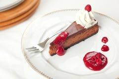 Pastel de queso de la frambuesa del chocolate Fotografía de archivo libre de regalías