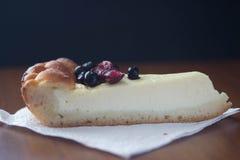 Pastel de queso del arándano Imagen de archivo libre de regalías