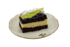 Pastel de queso del arándano aislado en el fondo blanco Foto de archivo libre de regalías