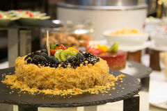 Pastel de queso del arándano con la fruta imágenes de archivo libres de regalías