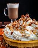 Pastel de queso del pastel de calabaza con café del Latte Imagen de archivo