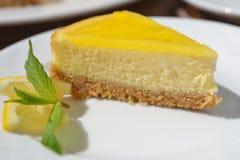 Pastel de queso del limón Fotos de archivo