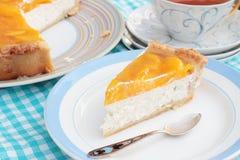 Pastel de queso del melocotón con la jalea del agar Foto de archivo libre de regalías