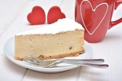 Pastel de queso para las tarjetas del día de San Valentín Fotografía de archivo