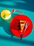 Pastel de queso y limonada Foto de archivo libre de regalías