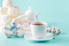 Pastel marshmallow and tea cup Stock Images