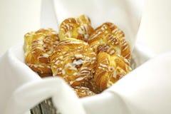 Pastelaria da framboesa com crosta de gelo Fotos de Stock