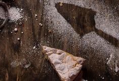 Pastelaria da torta com maçãs e pudim de baunilha Imagem de Stock