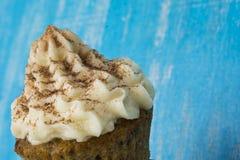 Pastelaria fresca com creme imagens de stock royalty free