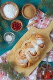 Pastelarias do Natal com um doce da airela Imagem de Stock