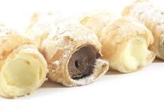 Pastelarias enchidas creme do chifre Imagens de Stock