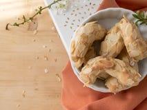 Pastelarias na pasta da amêndoa imagens de stock royalty free