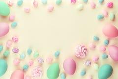 Pastele barwi?cy farbuj?cy asortowani Easter jajka zdjęcie stock
