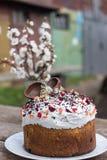 Pasteles dulces para Pascua Pasteles festivos Aún lifes hermosos con la hornada Semana Santa Foto de archivo libre de regalías