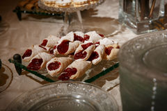 Pasteles elegantes con el atasco Imagen de archivo libre de regalías