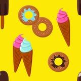 Pasteles en fondo amarillo Imagen de archivo