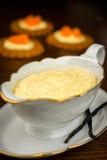 Pasteles poner crema hechos en casa Fotografía de archivo libre de regalías