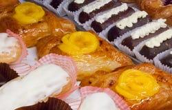 Pasteles, torta, torta de esponja, éclair Imagen de archivo