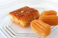 Pasteles y postre dulces árabes Imagen de archivo libre de regalías