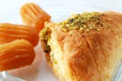 Pasteles y postre dulces árabes Foto de archivo libre de regalías