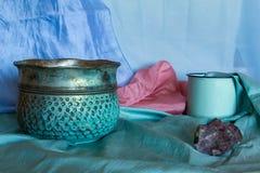 Pastelkleur gekleurde stillevenfoto met archaïsch voorwerpen royalty-vrije stock afbeelding