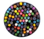 Pastelkleuren, kleurpotloden op wit Stock Foto