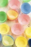 Pastell farbige leere Kästen des kleinen Kuchens Stockbilder