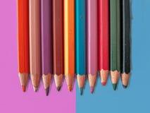 Pastell-mörker kulör blyertspenna royaltyfria bilder