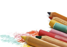 Pastell och blyertspennor som isoleras på vit Royaltyfria Bilder