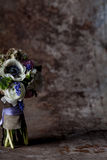 Pastellblumenanordnung auf Rost Lizenzfreie Stockbilder