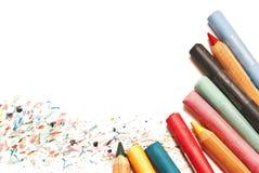 Pastelle und Bleistifte lokalisiert auf Weiß Stockbild