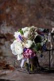 Pastellfärgad bouquetr på rostig miljö Royaltyfri Fotografi