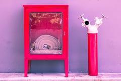 Pastellfärgad färg för tappningvattenrör till idérik textur och modellen royaltyfri foto