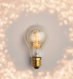 pastellfärgad ljus kula på pastellfärgad bakgrund, idérik idé för ljus kula Royaltyfri Foto